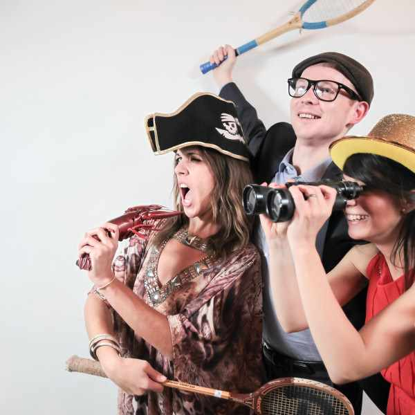 photo booth with a vintage feel and class. High quality images for weddings