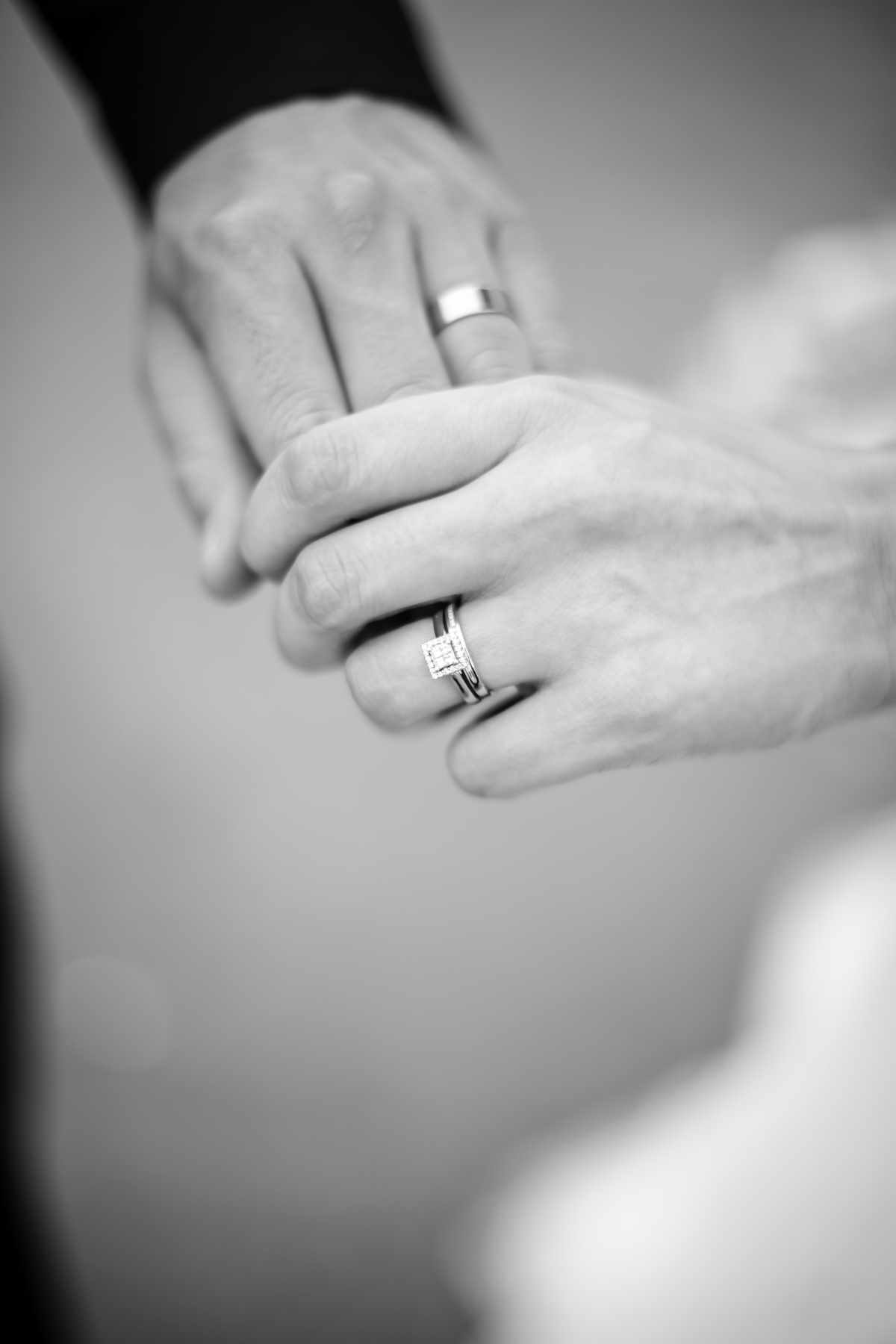 Wedding photographer image of a couples hands