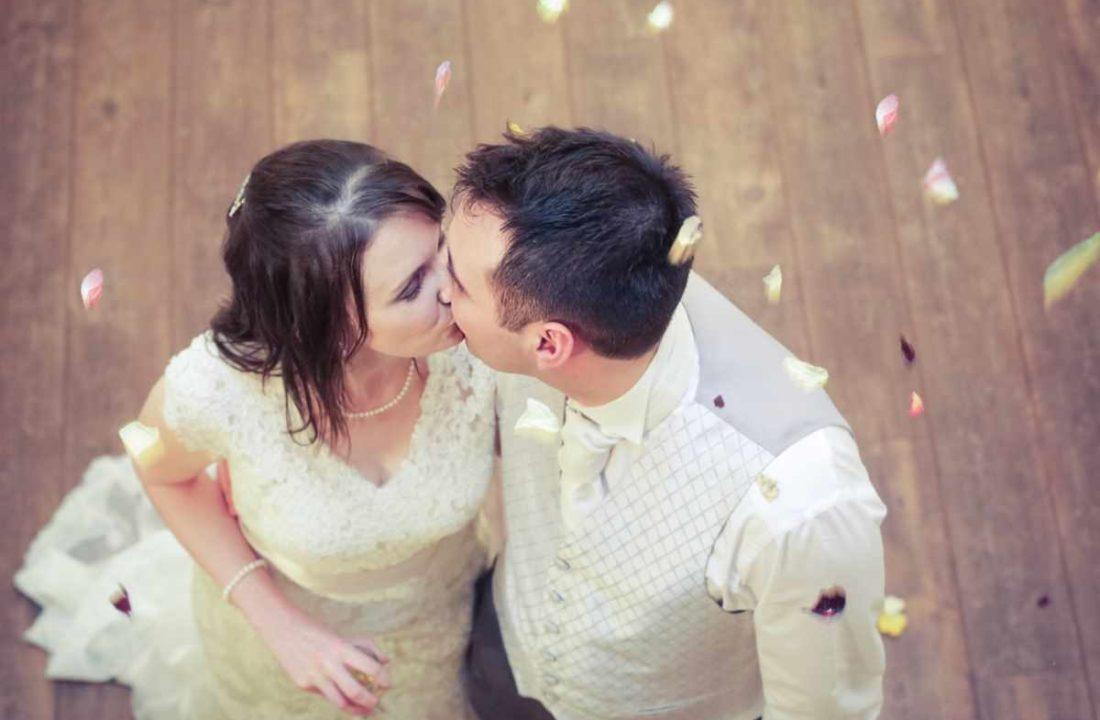 Winter wedding in Devon. Wedding photographer in Devon