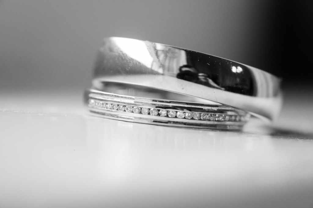 Wedding rings by a Cornwall wedding photographer