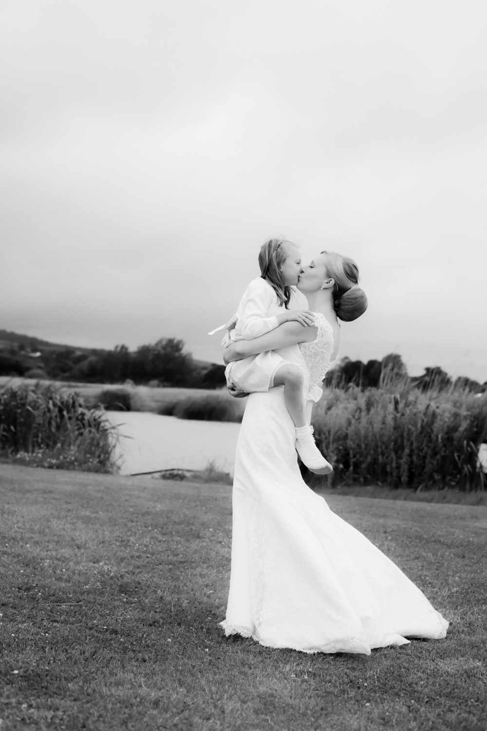 Somesret-wedding-photography-Quantock-lakes-thomas-frost-photography--93