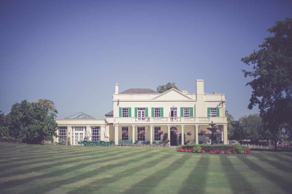 The-Lawns-essex-wedding-photography--7