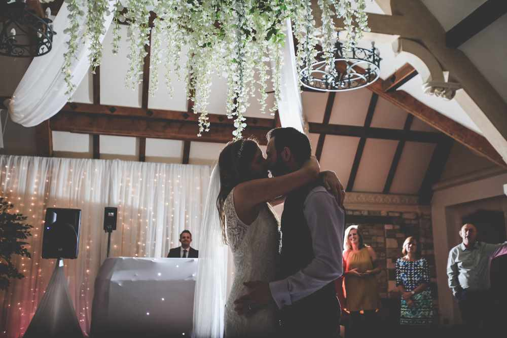 bath-wedding-photographer-castle-combe-thomas-frost-photography-71