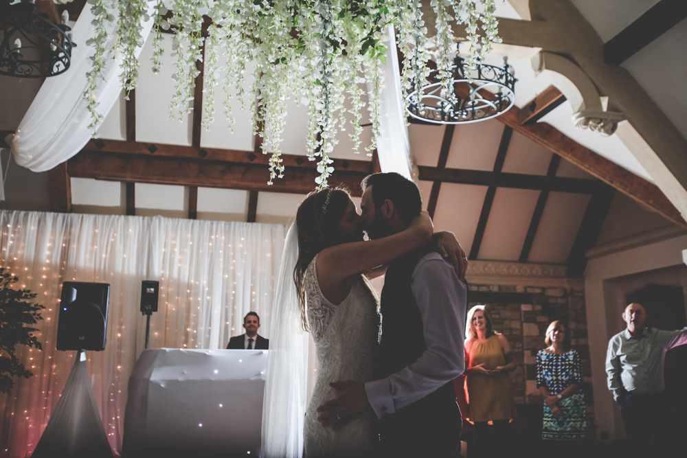 bath-wedding-photographer-castle-combe-thomas-frost-photography-71