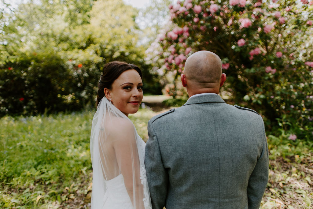 a romantic Cornwall wedding day image in the garden
